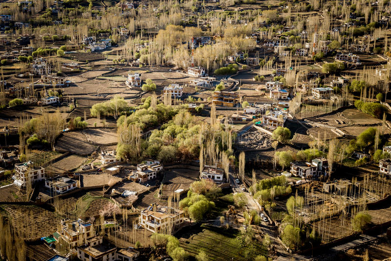 Wysokiego kąta widok Leh miasto zdjęcia stock