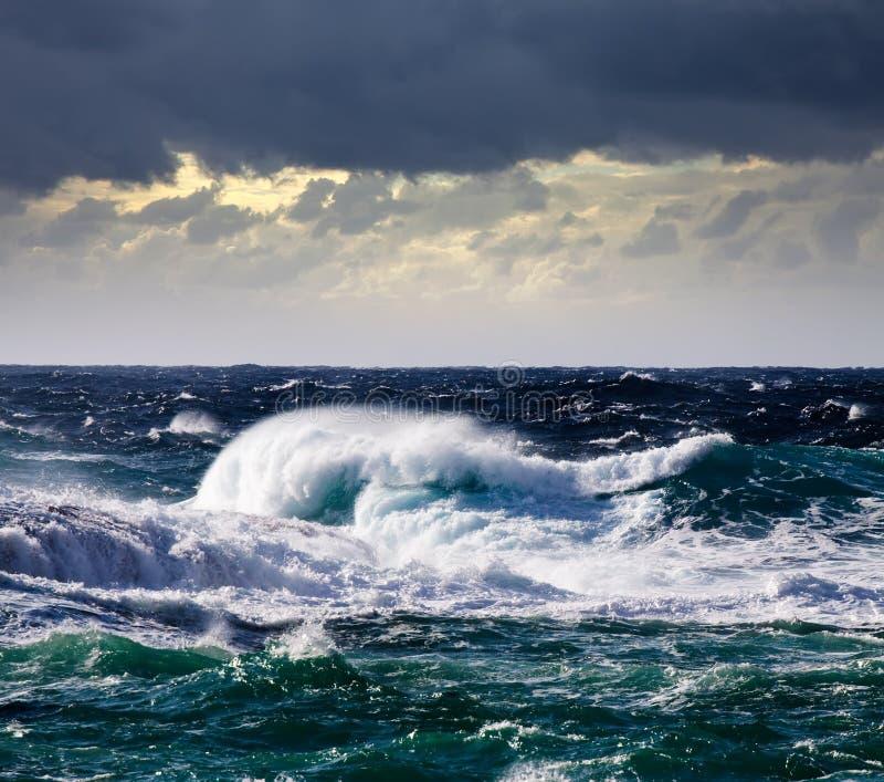 wysokiego morza burzy fala obrazy royalty free