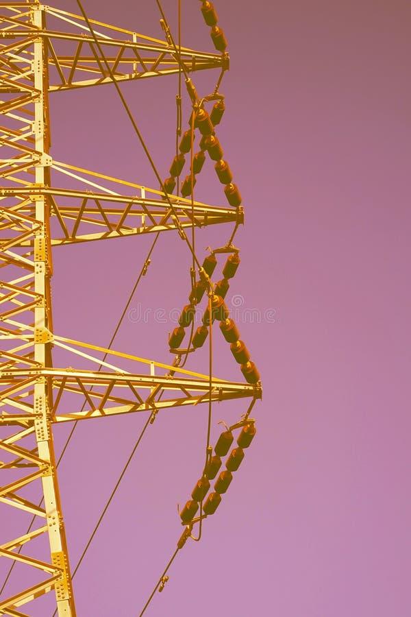 Wysokiego woltażu elektryczni słupy zdjęcie royalty free