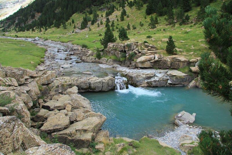 wysokiej góry rzeka obrazy royalty free