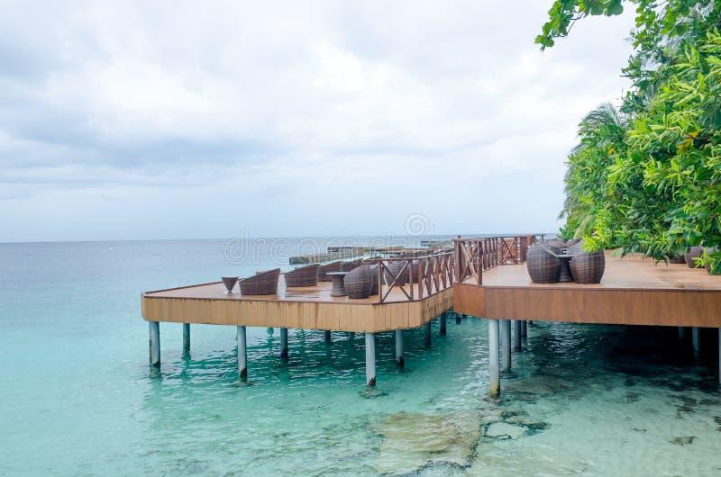 Wyspa Maldives Fihalhohi piękny krajobraz ocean i drzewko palmowe obraz stock