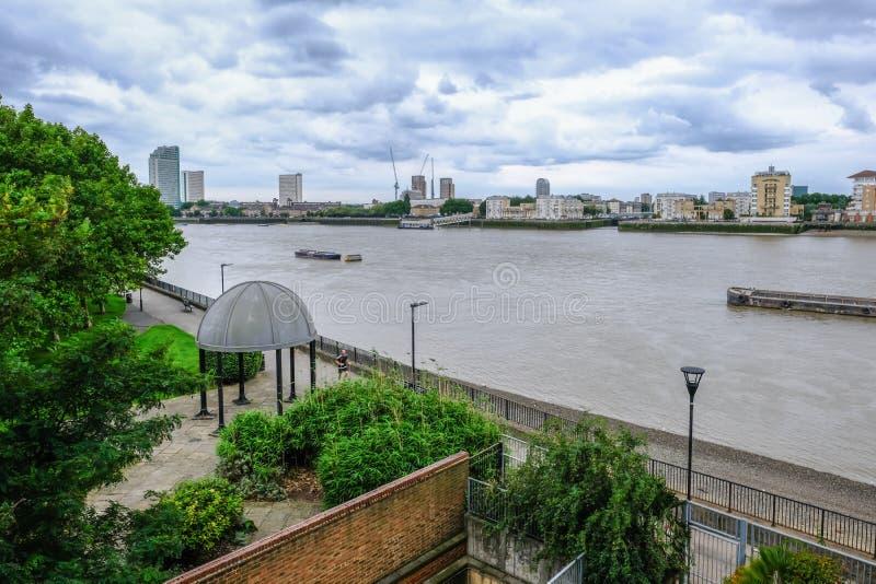 Wyspa psy, Londyn, UK - Sierpień 20, 2017: Widok z lotu ptaka Sir J zdjęcia royalty free