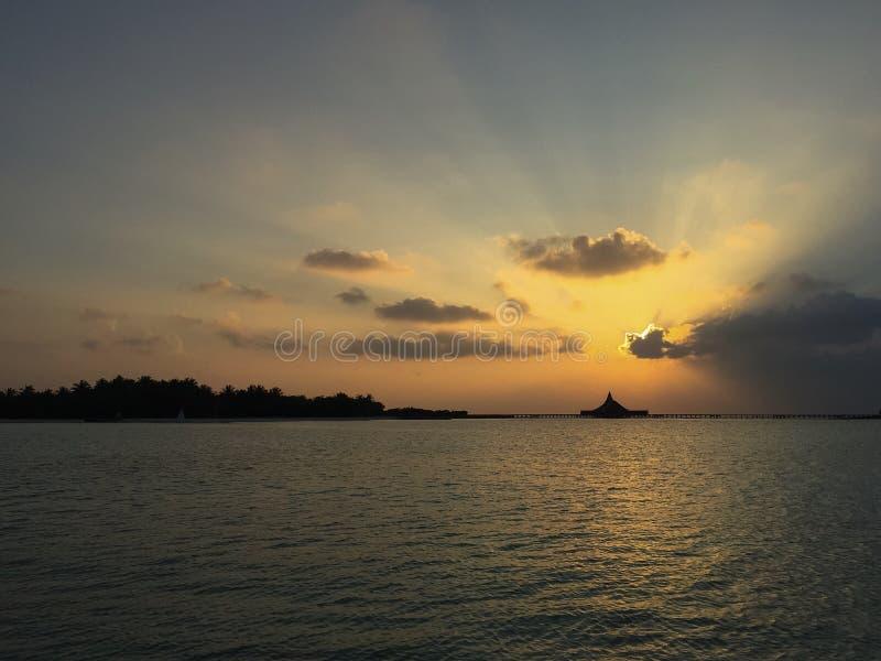 wyspa tropikalny wschód słońca obrazy stock