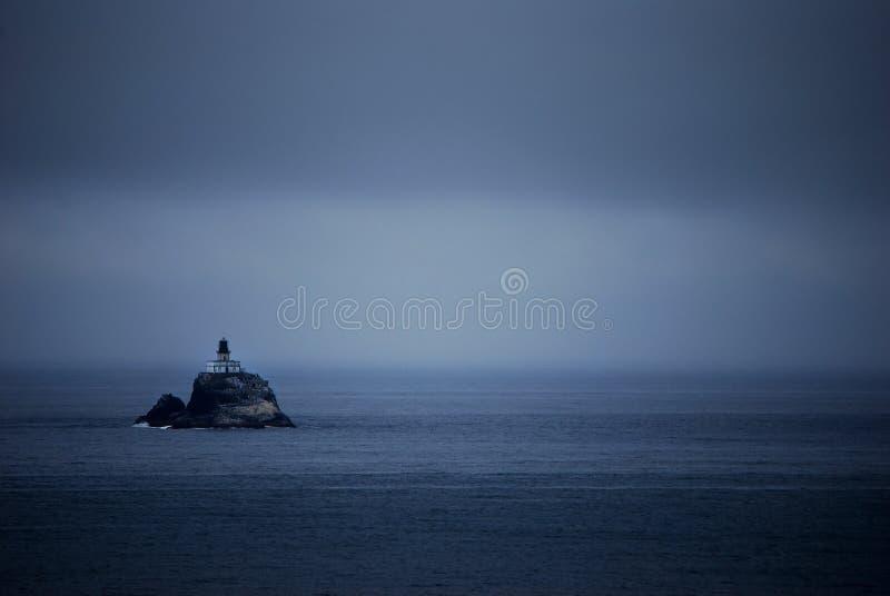 wyspy ciemna latarnia morska zdjęcia royalty free