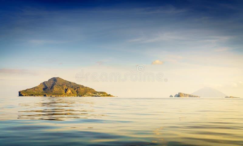 Wyspy eolskie we Włoszech zdjęcia stock