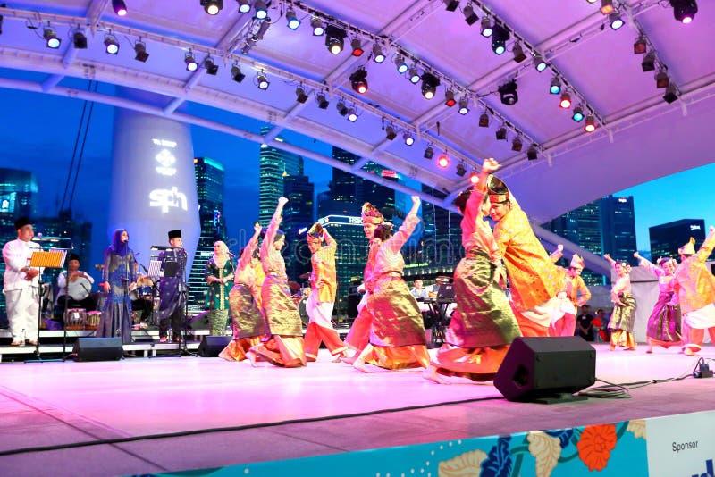 Występ przy esplanada Plenerowym teatrem Singapur zdjęcia royalty free