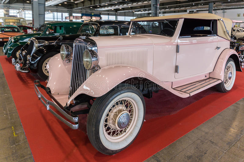 Wystawa antyk i sportowi samochody w Verona zdjęcia stock