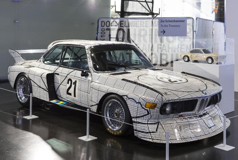 Wystawa i osiągnięcia eksponaty legendarni modele samochody i motocykle w BMW muzeum zdjęcie stock