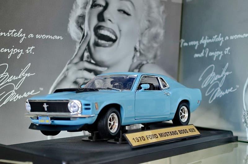 Wystawa retro samochody Samochodowy «Ford mustanga szef 429 «, rok manufaktura 1970, zasila 320 HP obraz royalty free