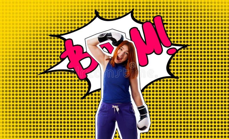 Wystrzał sztuki portret kobieta w bokserskich rękawiczkach zdjęcie royalty free
