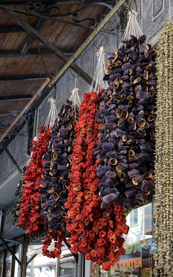 Wysuszeni aubergines, papryki i pikantność, zdjęcie stock