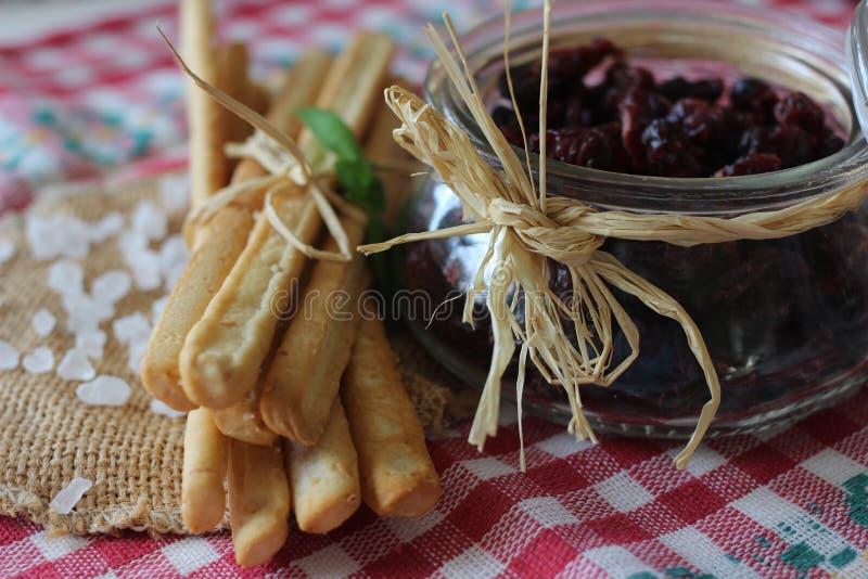 Wysuszeni cranberries, ciastka, włoski jedzenie, włoskie przekąski, włoscy ciastka zdjęcie royalty free