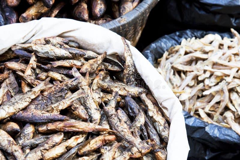 wysuszona rybiego rynku Nepal sprzedaż obraz stock
