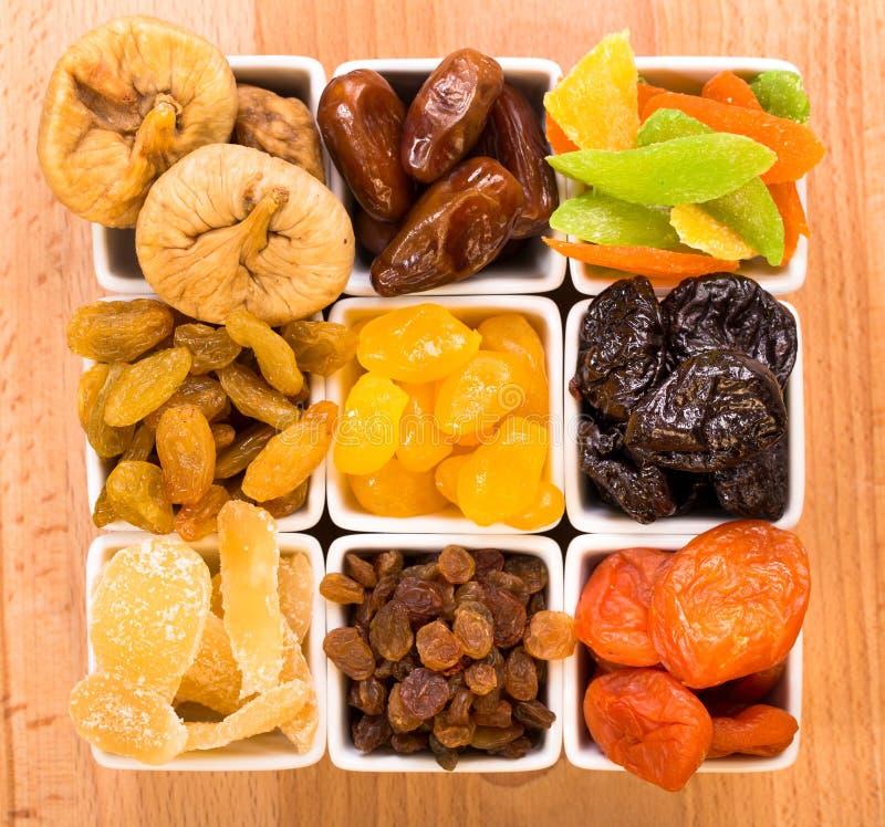 Wysuszone owoc na drewnianym stole zdjęcie royalty free