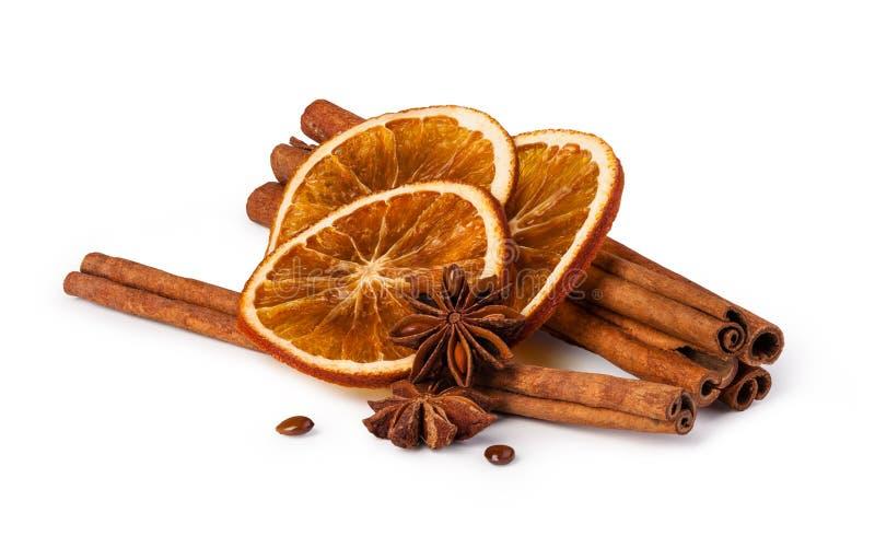 Wysuszone pomarańcze i cynamon zdjęcia stock