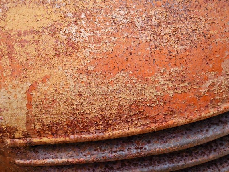 Wyszczególnia up i zamyka rdza na samochodowym metalu z łupaniem, obecnością rdza i korodowaniem, piękny abstrakcjonistyczny tło fotografia royalty free