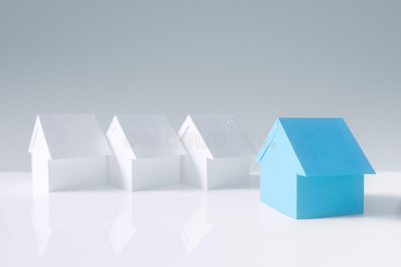 Wyszukiwanie nieruchomości, domu lub nowego domu obraz royalty free