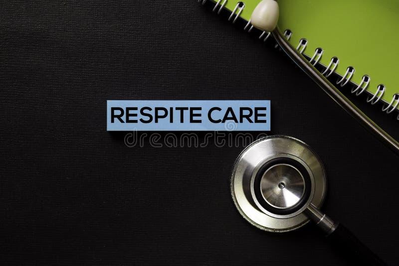 Wytchnienie opieka na odgórnego widoku czerni stole, opiece zdrowotnej i medycznym pojęciu/ zdjęcie stock