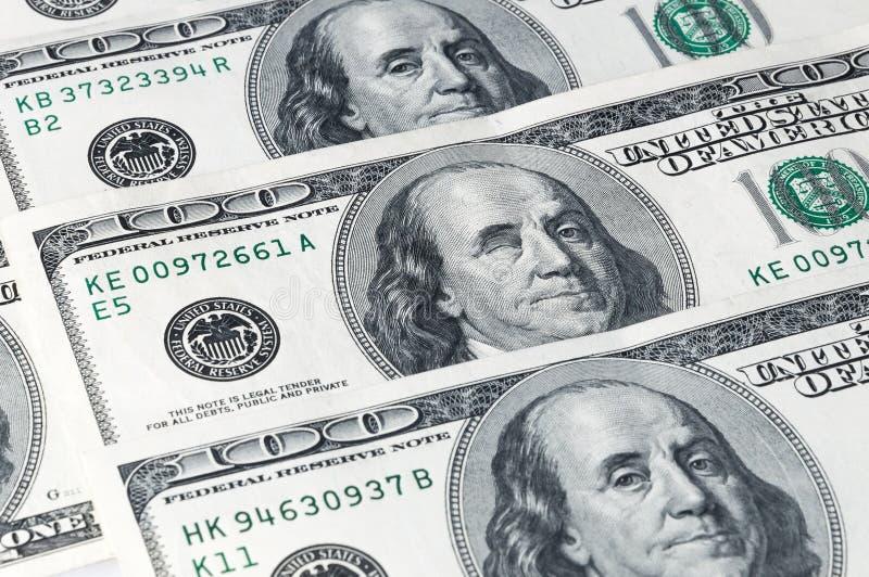 Wyznania sto dolarów, lokalizować na przekątnie, zakończenie Franklin mrugnięcia obraz stock