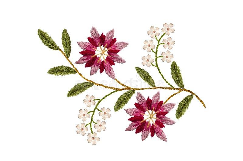 Wzór dla hafciarskiego falistego sprig z menchii cornflowers i delikatnymi białymi kwiatami czerwonymi i purpurowymi ilustracja wektor