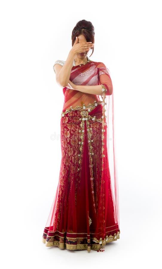 Download Wzburzona Młoda Indiańska Kobieta Z Jej Głową W Rękach Zdjęcie Stock - Obraz złożonej z ręki, frustracja: 41951766