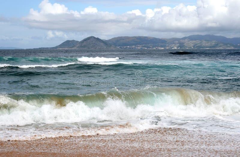 wzdłuż brzegowego tocznego Spain macha na zachód fotografia royalty free