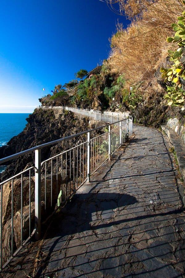 Wzdłuż Cinque Terre wybrzeża obrazy stock