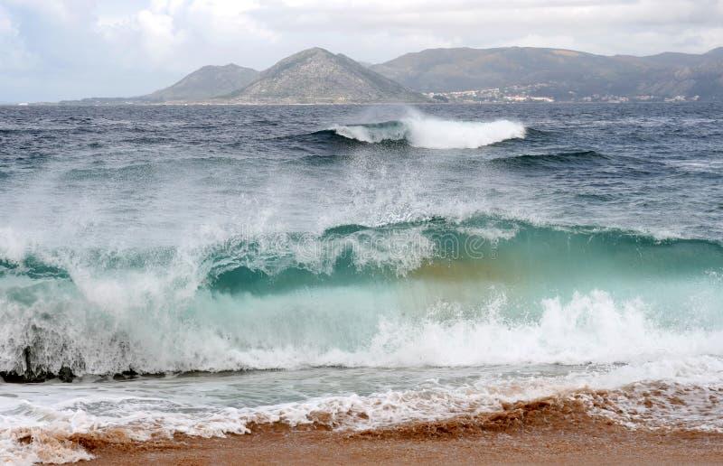 wzdłuż duży brzegowego Spain macha na zachód obraz royalty free