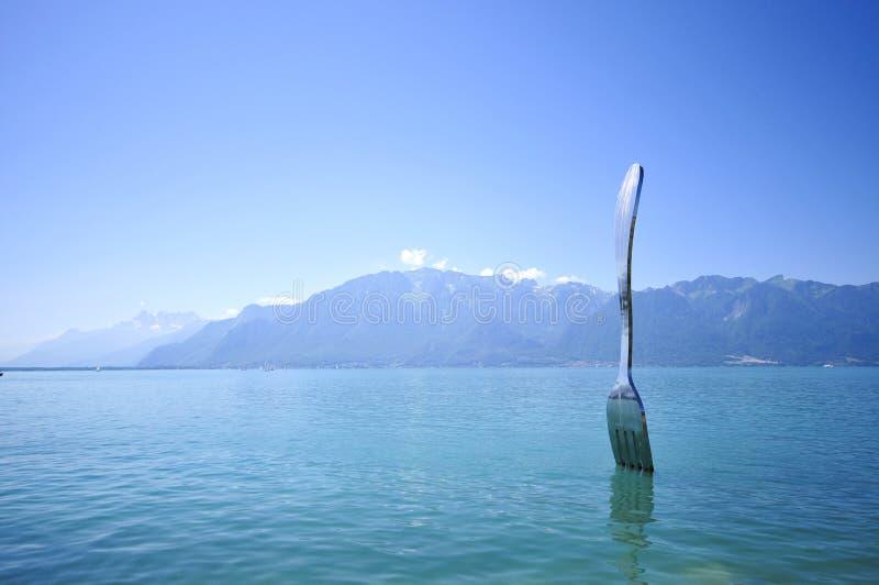 wzdłuż jeziora. zdjęcia stock