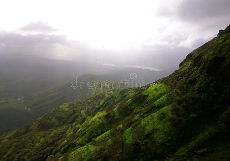 Wzgórza i nieba zdjęcia royalty free