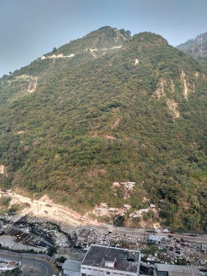 Wzgórza Jai Mata stacyjni di Jammu obraz stock