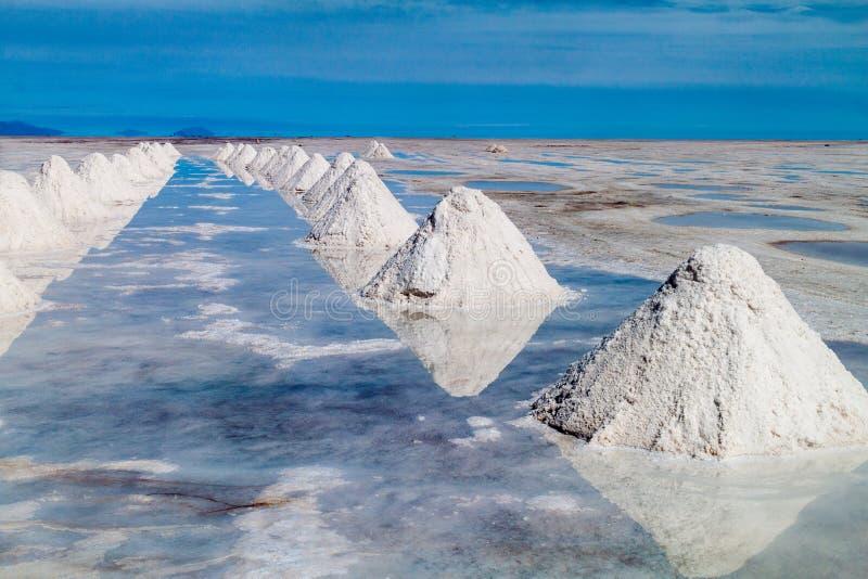Wzgórza sól przy Salar De Uyuni, Boliwia obraz royalty free