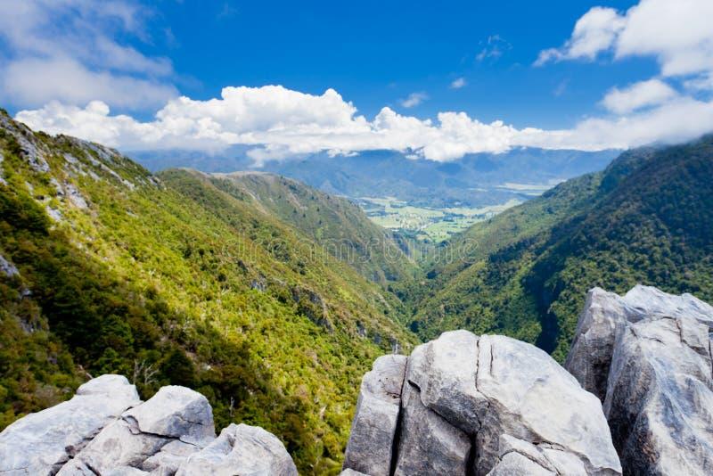 wzgórza wapnia nz wychodów takaka dolina zdjęcie royalty free