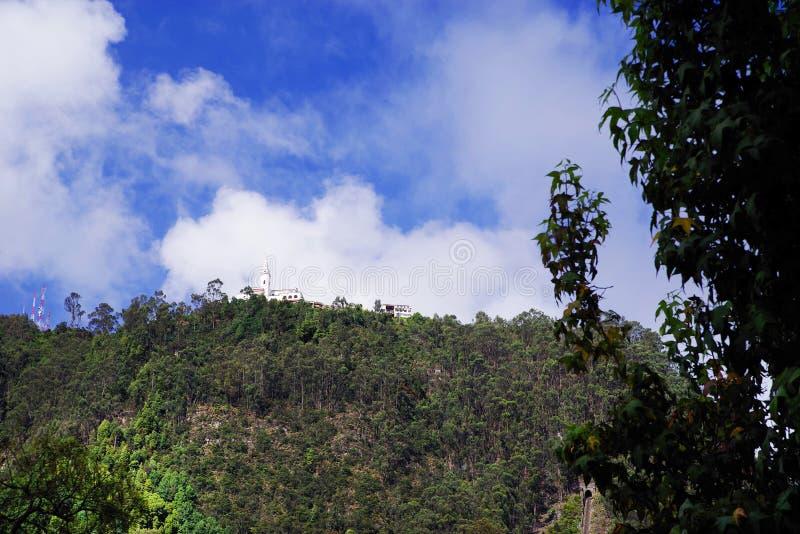 Wzgórze Montserrate z kościołem zbudowanym w XVII wieku poświęconym El Senor Caido Upadły Pan zdjęcie stock