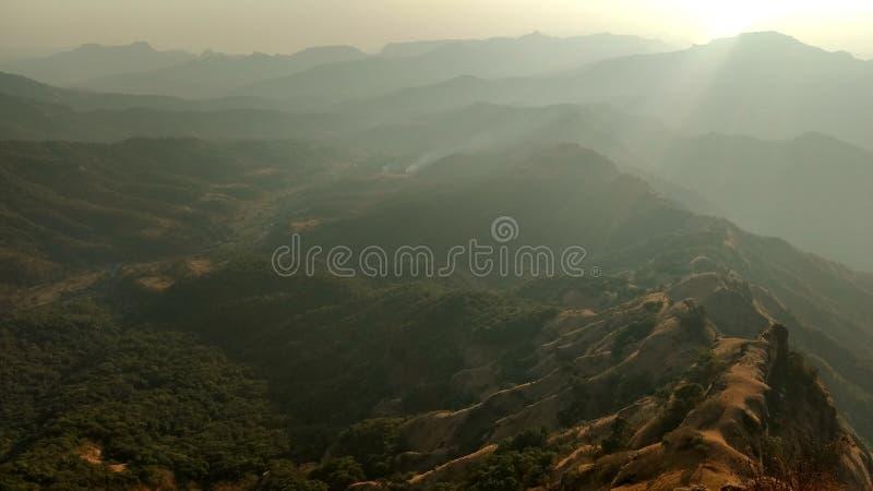 Wzgórze odgórny zmierzch zdjęcie royalty free