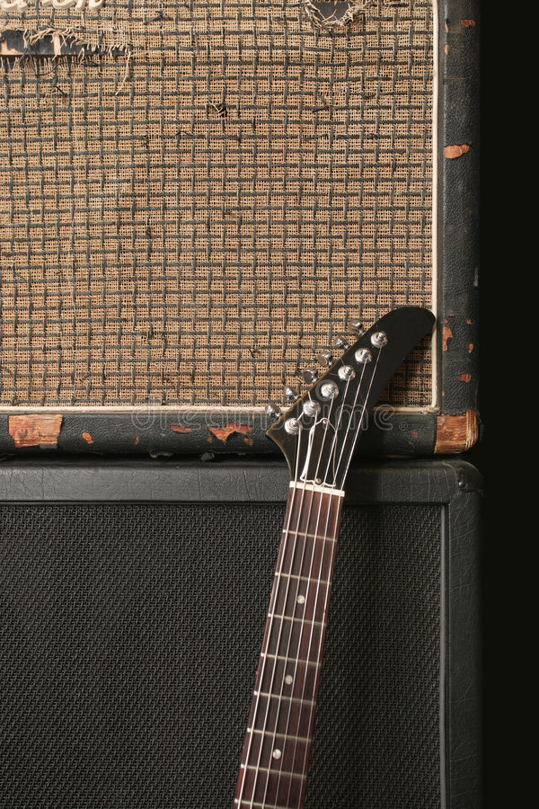 wzmacniacz gitary stara sterta zdjęcie stock