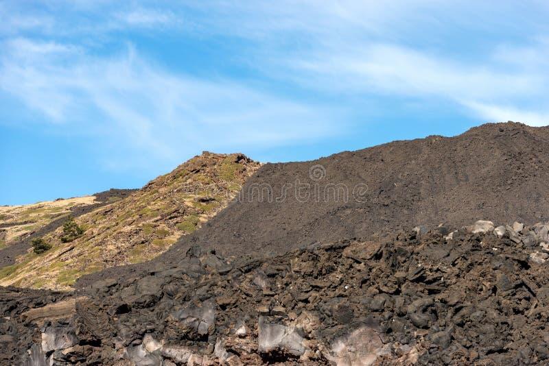 Wzmacniający Lawowy przepływ - Etna wulkan Sicily Włochy obraz royalty free