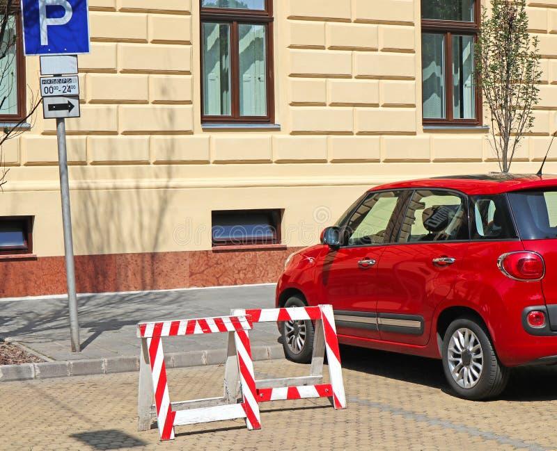 Wznawiający parking na ulicie fotografia stock