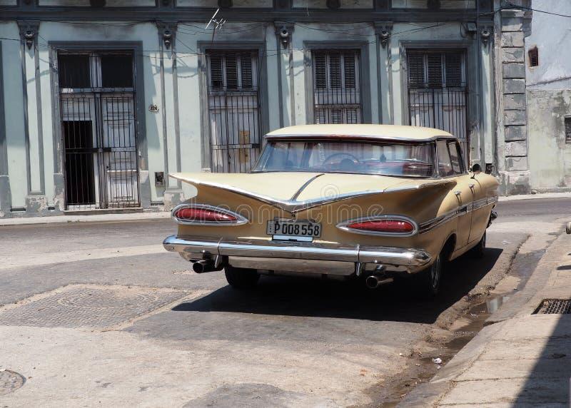 Wznawiający samochód Wewnątrz W Hawańskim Kuba zdjęcia royalty free