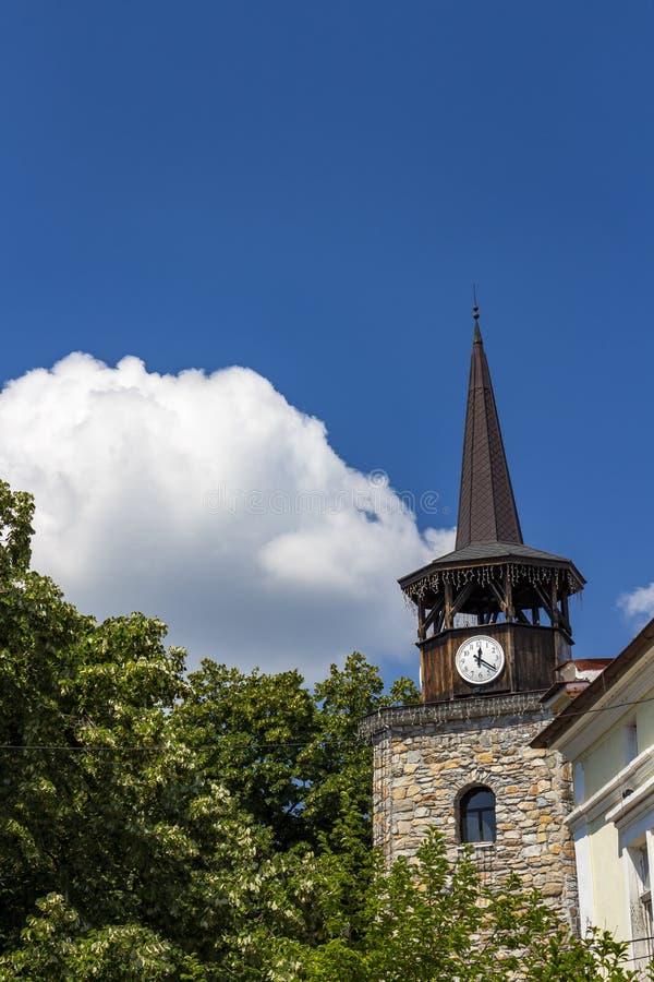 Wznawiający stary zegarowy wierza w Haskovo, Bułgaria, architektoniczny szczegół fotografia royalty free