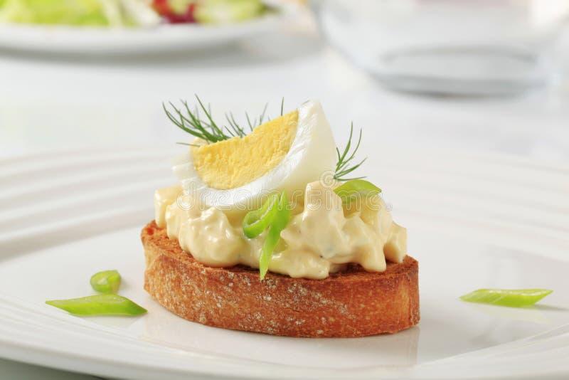 wznoszący toast chlebowy jajeczny rozszerzanie się fotografia stock