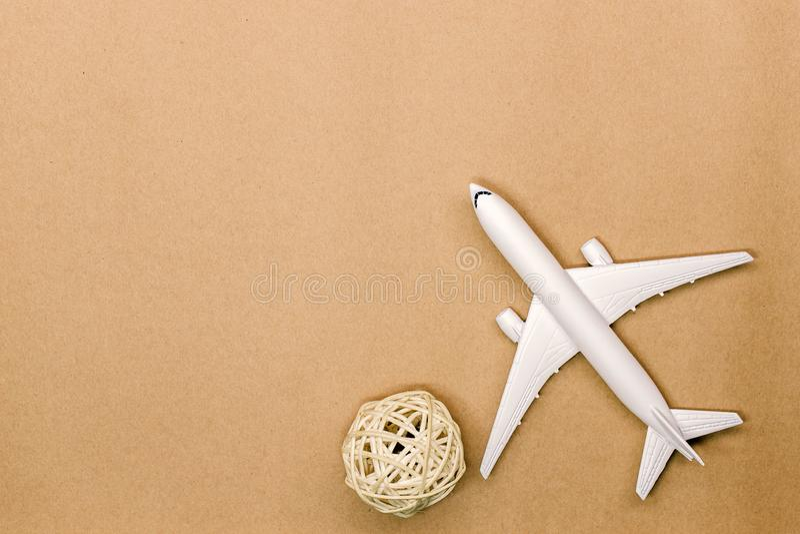 Wzorcowy samolot, samolot na pastelowego koloru tle fotografia stock