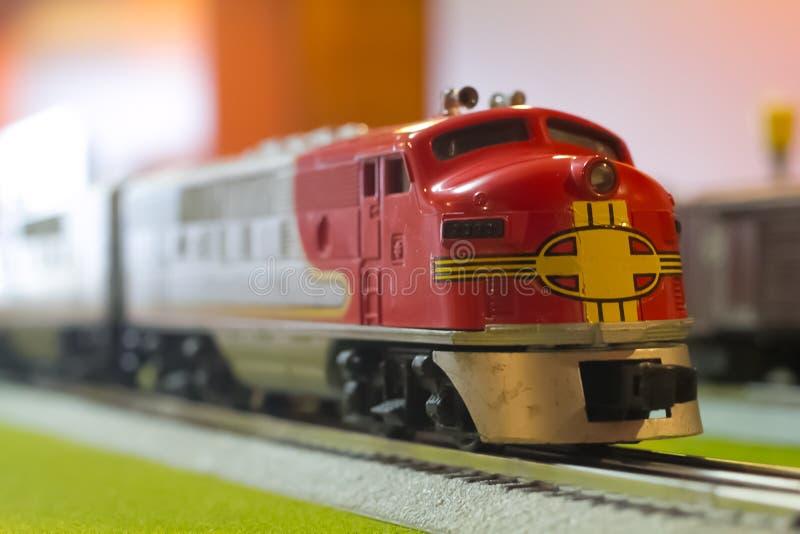 Wzorcowy Zabawkarski linia kolejowa pociągu silnik fotografia stock