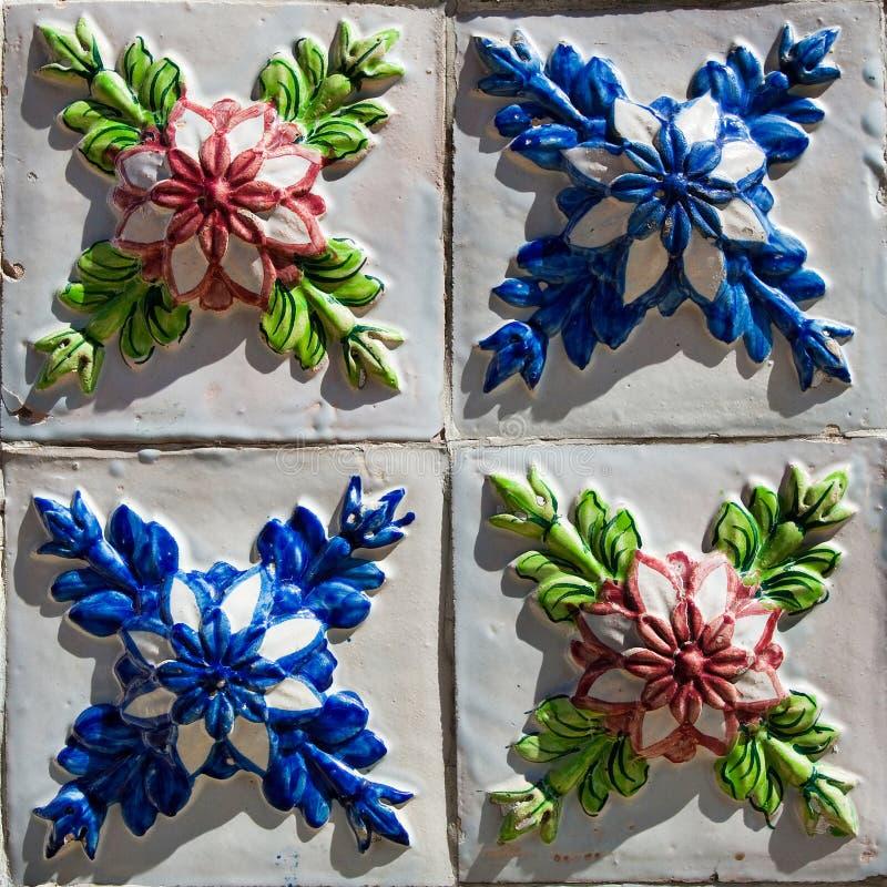 Wzorzyste barwione płytki na domu symbolu Lisbon Abstrakt, ornament, Europejski autentyczny styl zdjęcie stock