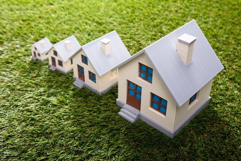 Wzrastać domy obrazy stock
