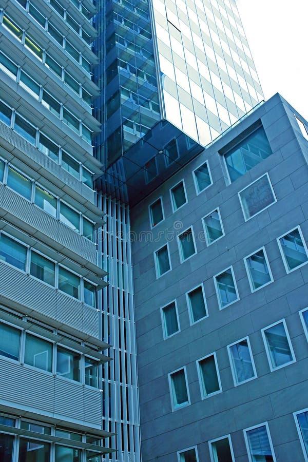 Wzrosta szklany wysoki budynek zdjęcie royalty free