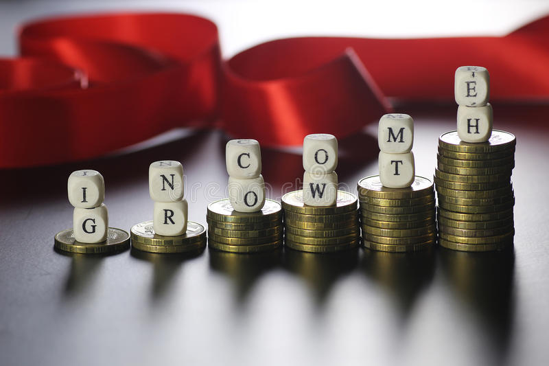 Wzrostowy dochodu teksta list zdjęcie stock