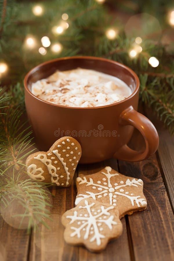 Xícara de café com doçura do Natal foto de stock royalty free