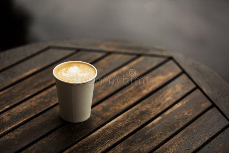 Xícara de café a ir imagem de stock