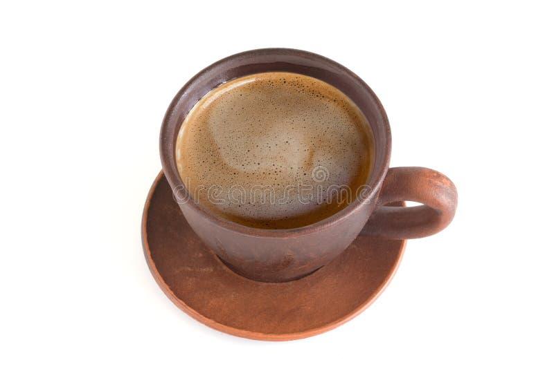 Xícara de café pelo close-up no fundo isolado branco fotos de stock